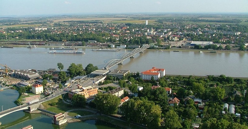 Egyet találhatsz, ki építi 28.000.000.000 forintért az új komáromi Duna-hidat!