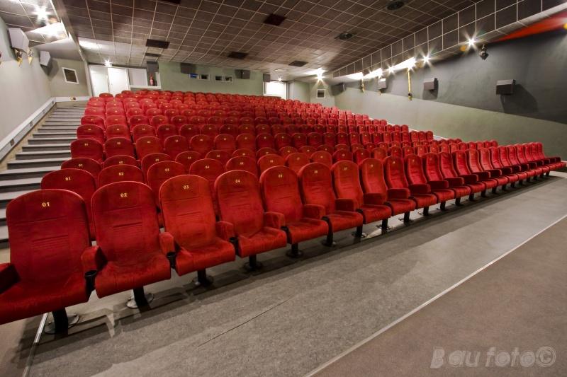 corvin mozi szék index